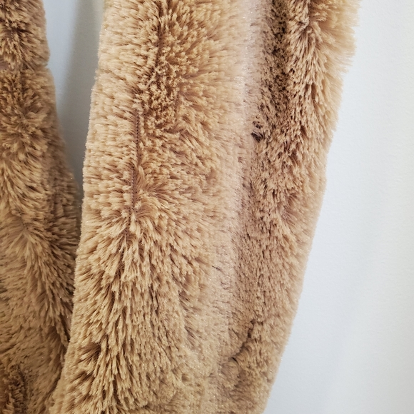 🌟 Scarves / soft / not real fur - new condition